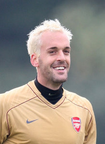 Almunia all Chuffed